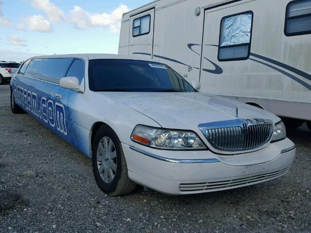 2007 White Lincoln Towncar E Kars4kids Garage