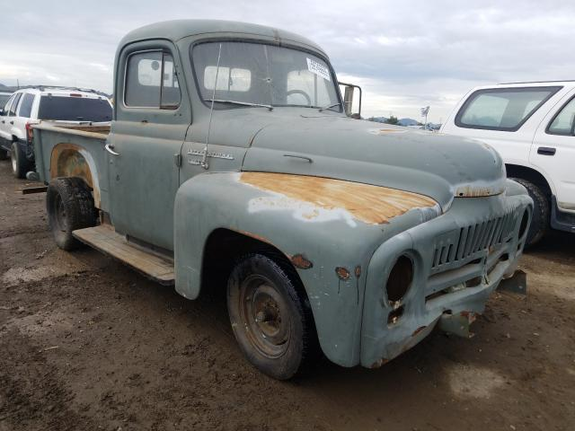 1952 Intl Truck Gray - front right view