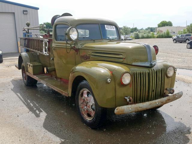1942 Ford Firetruck Green - front right view