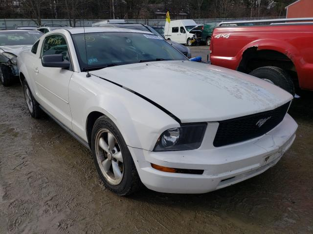 2006 Ford Mustang White  - front right view