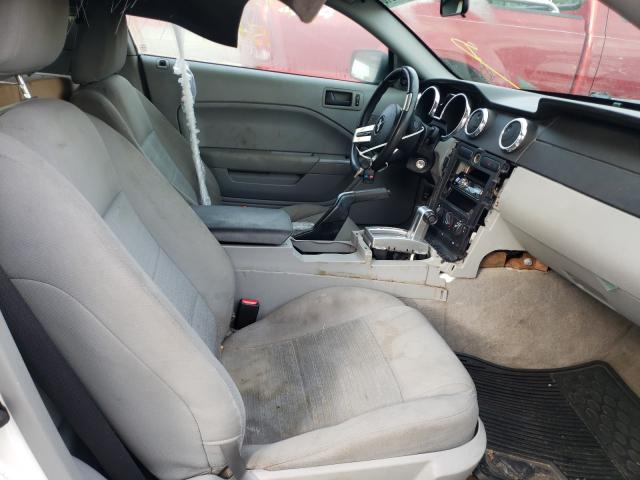 2006 Ford Mustang White  - interior - front