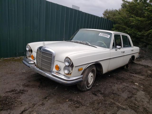 1971 Mercedes Benz B 250e White  - front left view