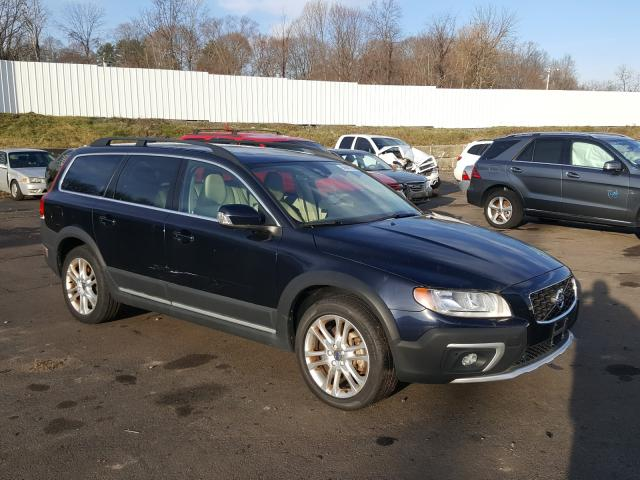 2016 Volvo Xc70 T5 Pr Black  - front right view