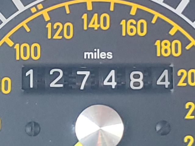 1986 Mercedes Benz 560 Sl Red  - odometer