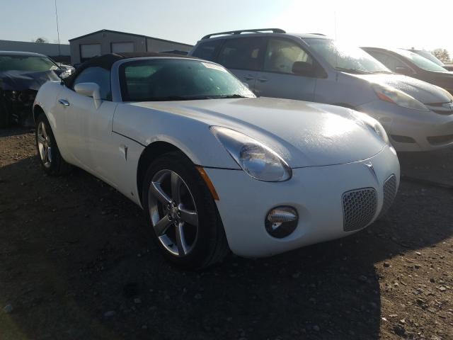 2007 Pontiac Solstice White  - front right view