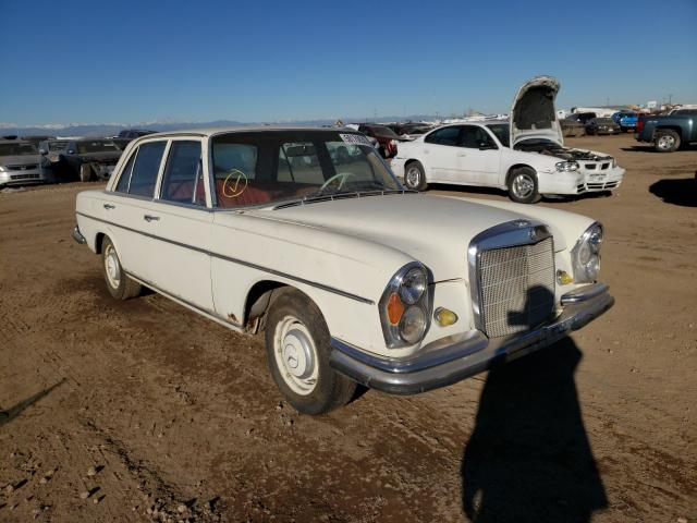 1967 Mercedes Benz C 280 White  - front right view