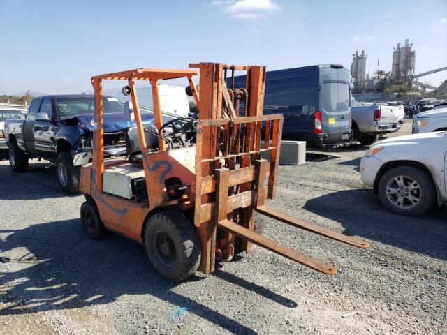1985 Fork Forklift Orange  - front right view