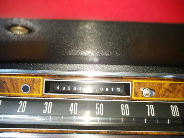 1977 Lincoln Continital Teal  - odometer