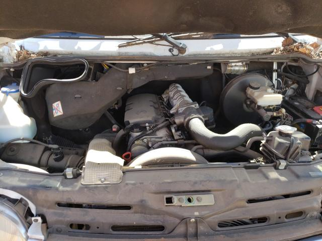 2002 Frht Sprinter 2 White  - engine