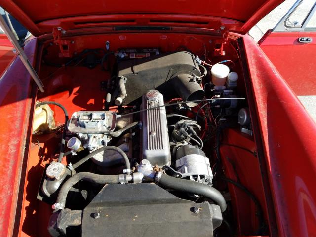 1977 Mg Midget Red  - engine