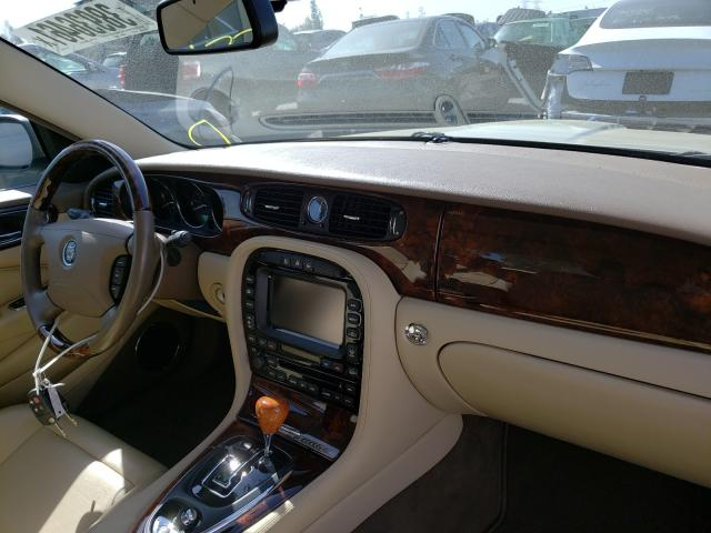 2006 Jaguar Xj8 Beige