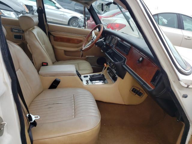 1983 Jaguar Xj Cream  - interior - front