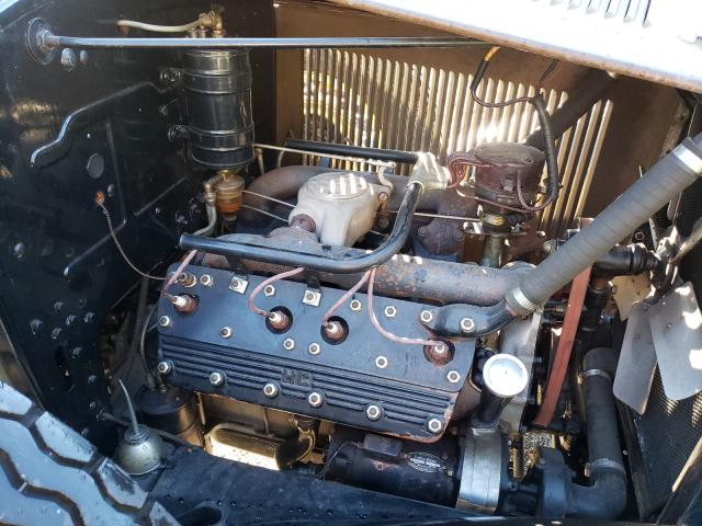 1930 Cadillac Lasalle 2tone  - engine