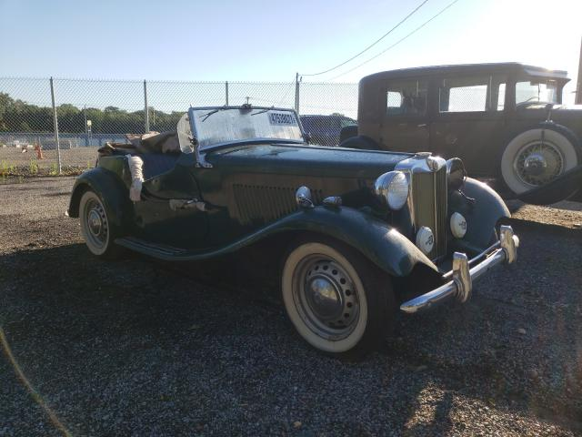 1953 Mg Roadster Green  - front right view
