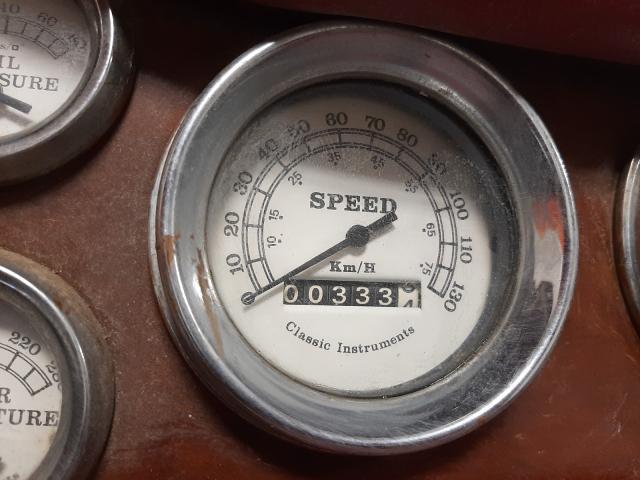 1973 Ford Kit Car 2tone  - odometer