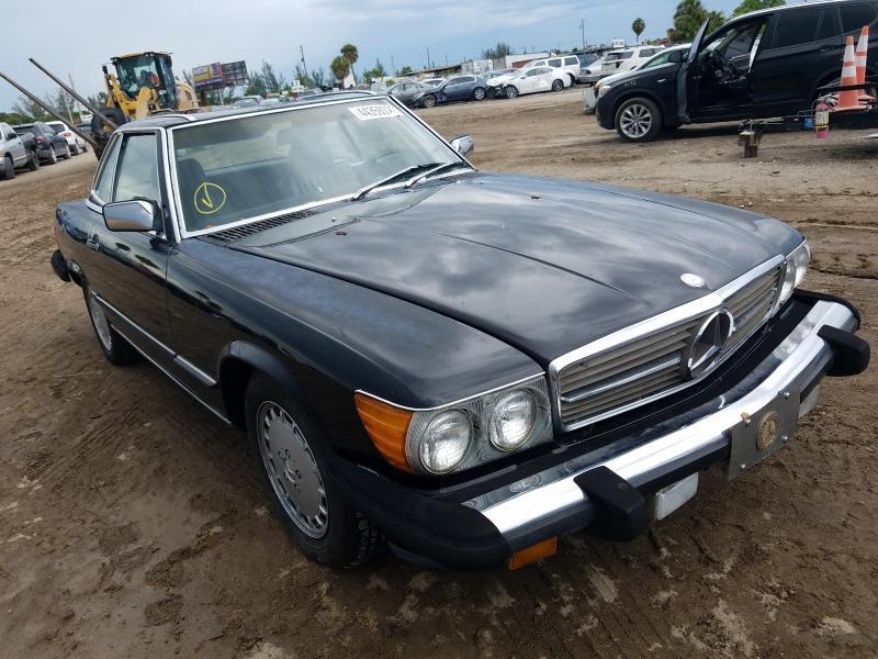 1987 Mercedes Benz 560 Sl Black  - front right view