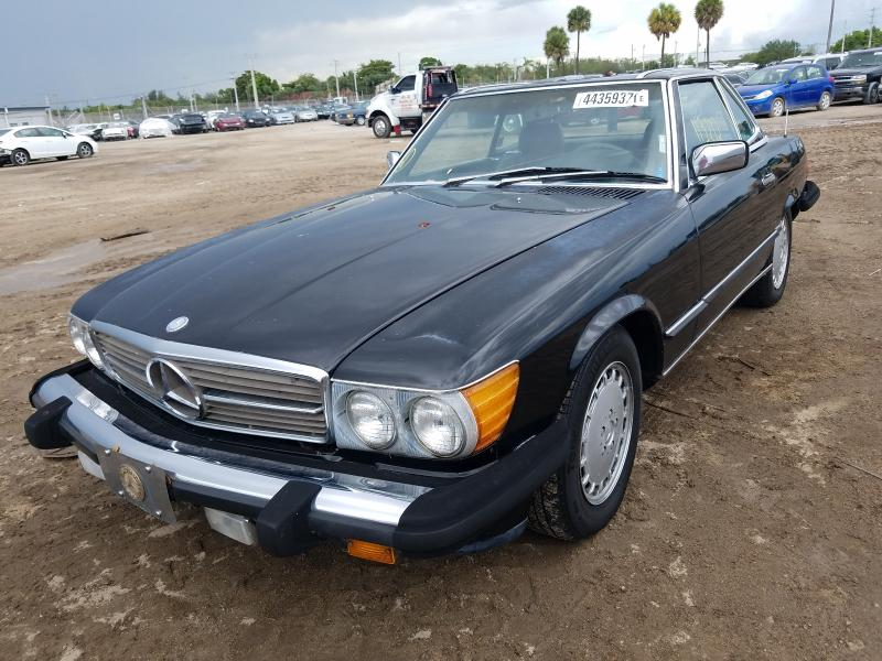 1987 Mercedes Benz 560 Sl Black  - front left view