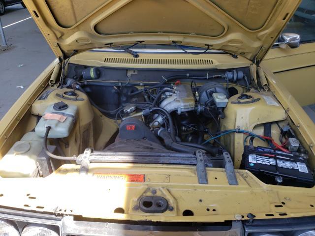 1979 Volvo 244 Dl Yellow  - engine