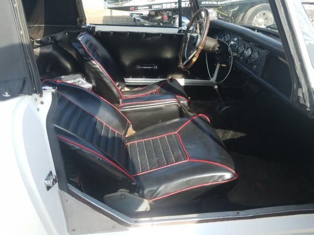 1965 Sunb Alpine White  - interior - front