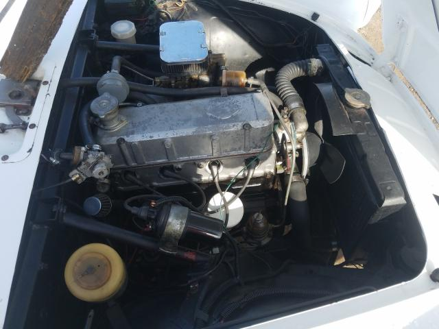 1965 Sunb Alpine White  - engine