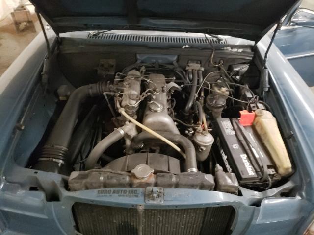 1974 Mercedes Benz 240 Blue  - engine