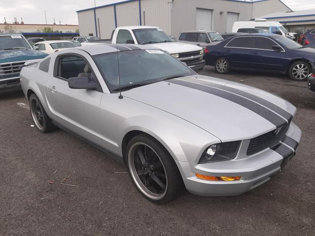 2007 Ford Mustang Gray  - front right view