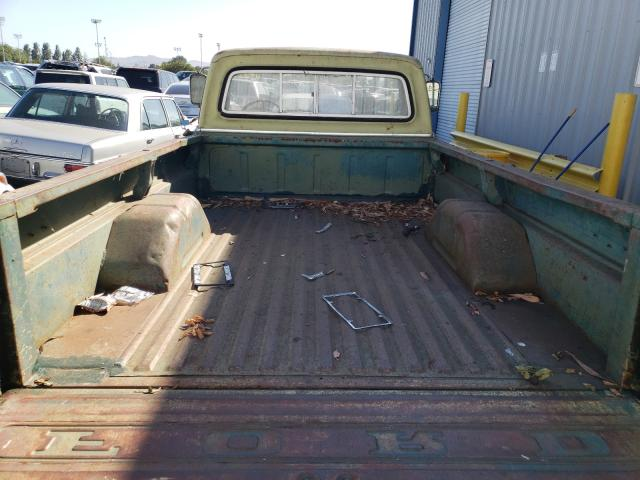 1970 Ford F-100 Green  - back view